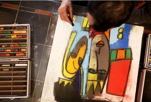 Un artista de Minnesota autista crea un creciente club de fans a escala internacional
