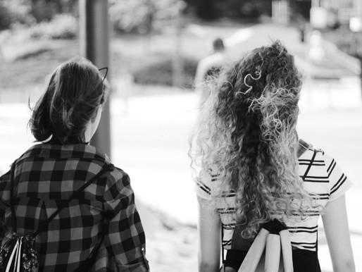 Novedades INSAR CHILE: niñas y mujeres en el espectro autista y la Dra. Happé