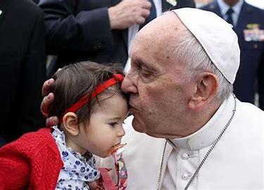 El Papa Francisco dice que los niños con autismo son hermosos, flores únicas para Dios