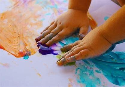 Las maravillas y beneficios del arte para los niños con autismo