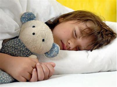 BREVE estudio que examina la relación de la falta de sueño y su calidad con la masa corporal