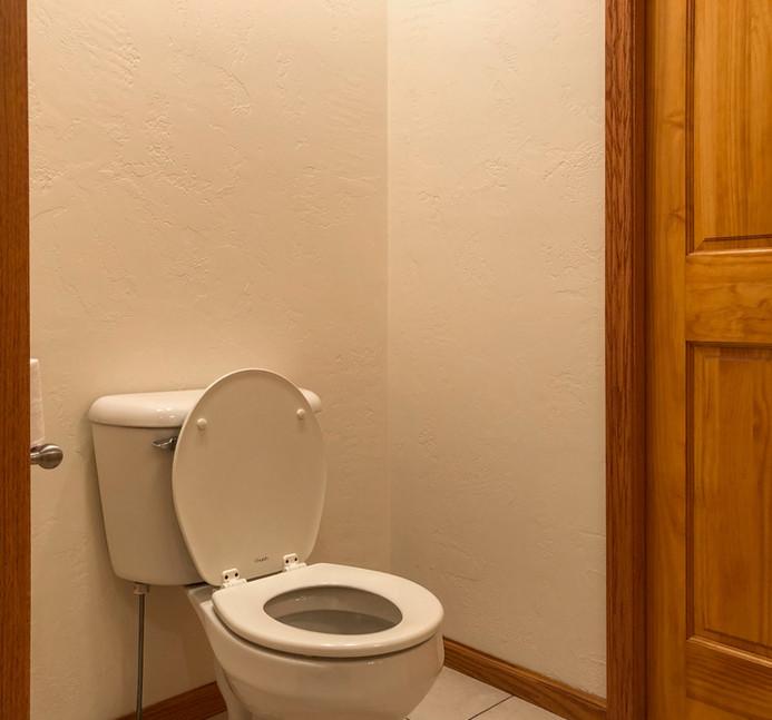 Downstairs Bath 2.jpg