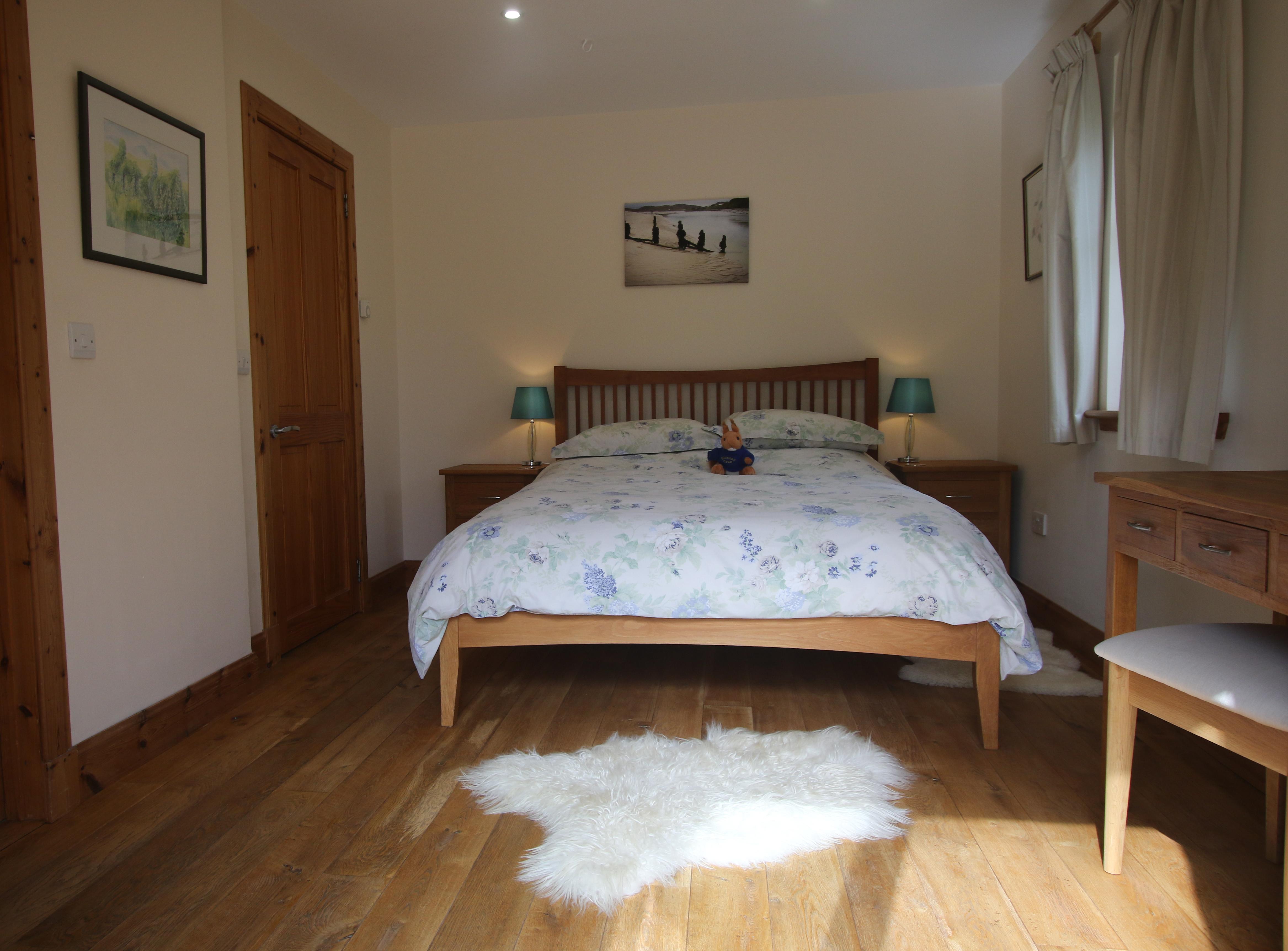 Downstairs bedroom with en-suite wet room