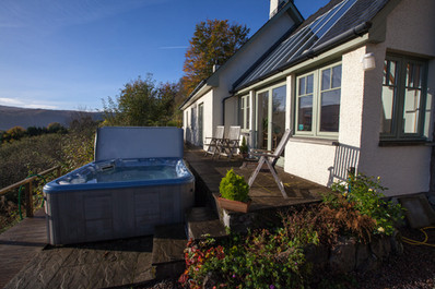 Hot-tub and Rose Cottage