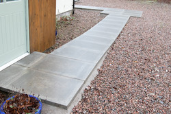 Front path which is wheelchair accessible and has a turning space for exiting the car