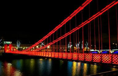 suspension-bridge-night-1-620x400.jpg
