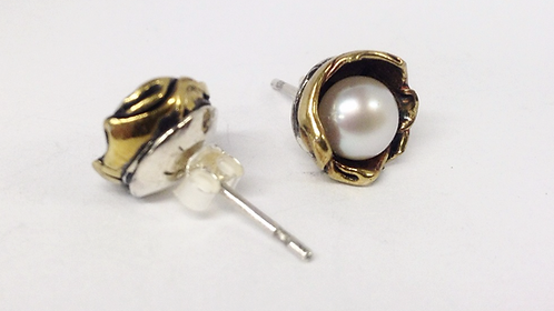 Water Lily Earring - White (M)
