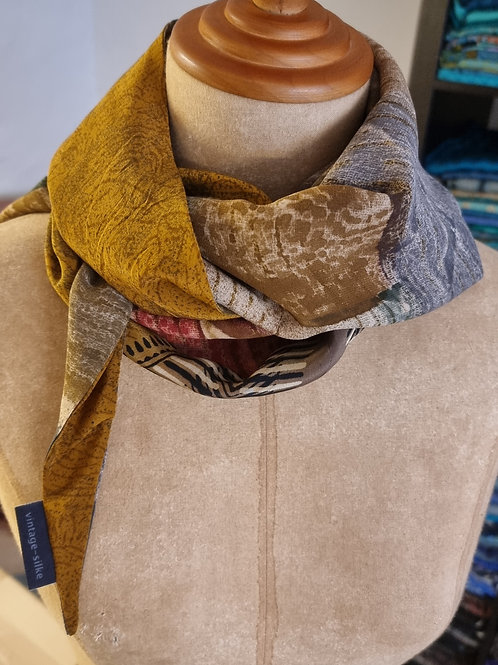 Dobbeltsyet tørklæde, trekantet