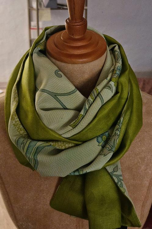 Dobbeltsyet vintagesilketørklæde