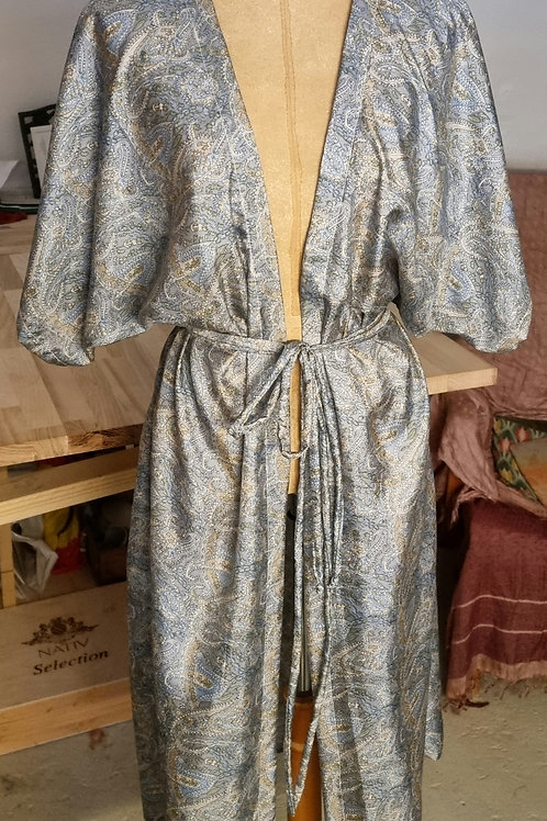 Kimono i vintagesilke, korte ærmer,  str L/M