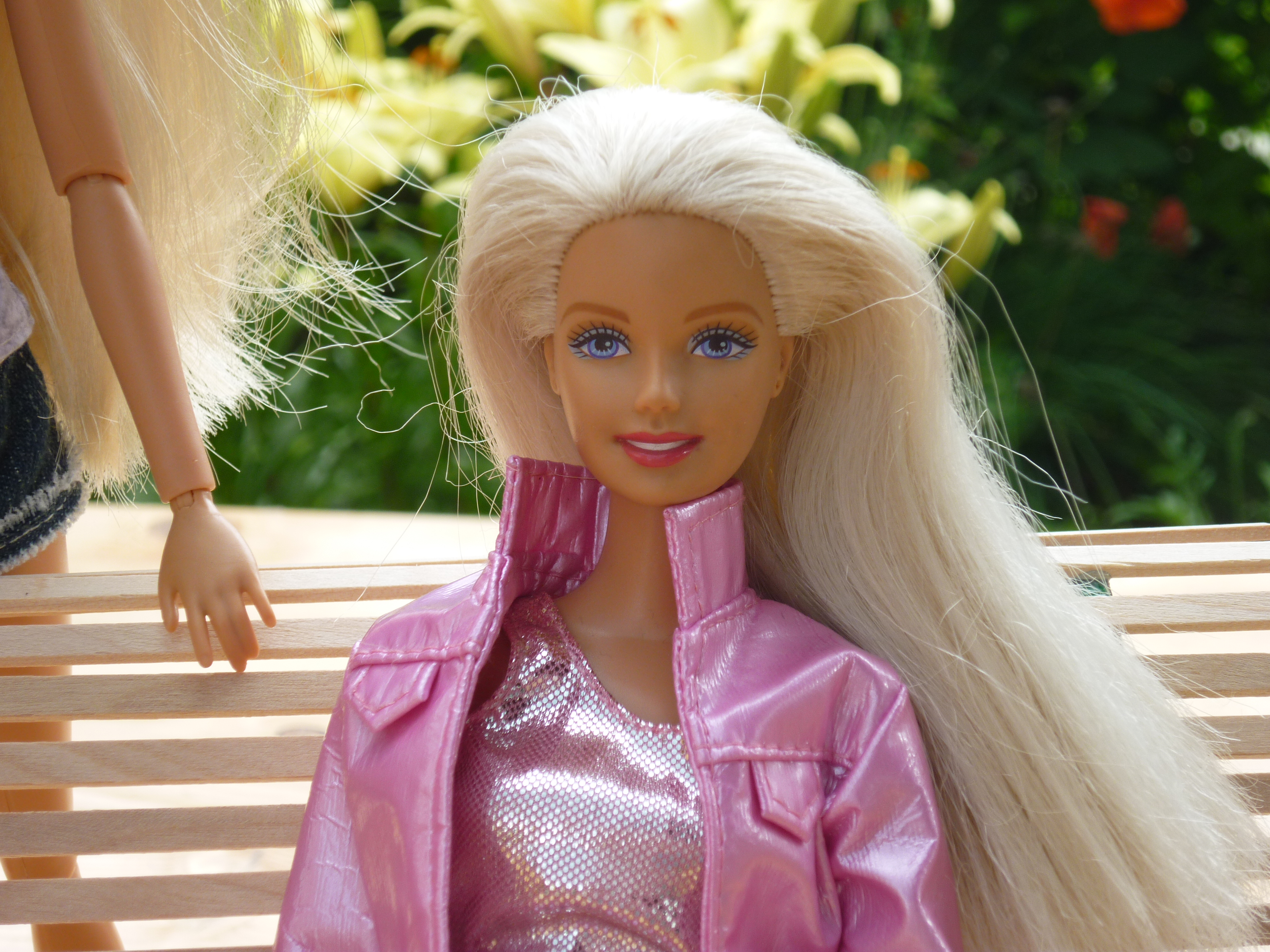 Bead Party Barbie 2003