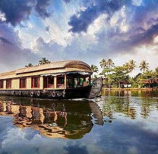 Alleppey Houseboat.jpg