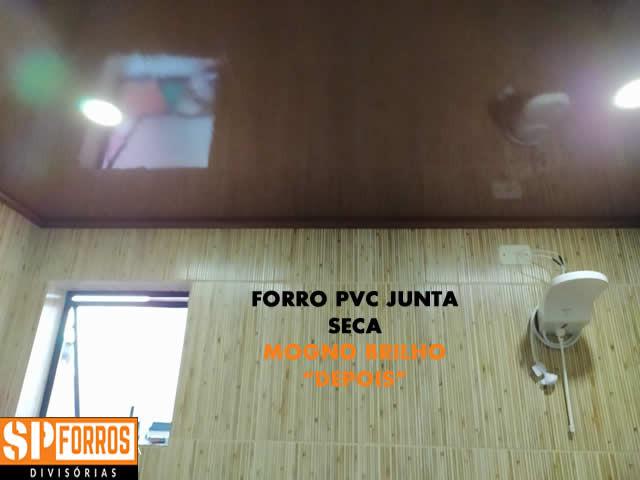 forro-pvc-junta-seca-mogno-em-banheiros-