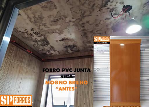forro-pvc-junta-seca-mogno-em-banheiros.
