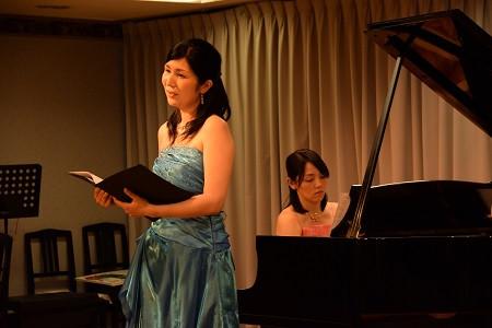 ママ演奏家による歌とピアノと絵本のコンサート終了しました