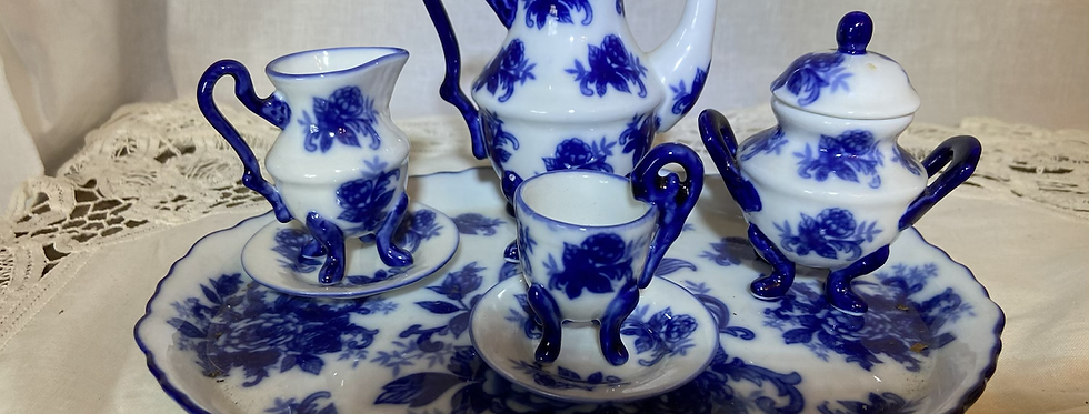 Blue Willow Miniature Tea Set- FREE SHIPPING!