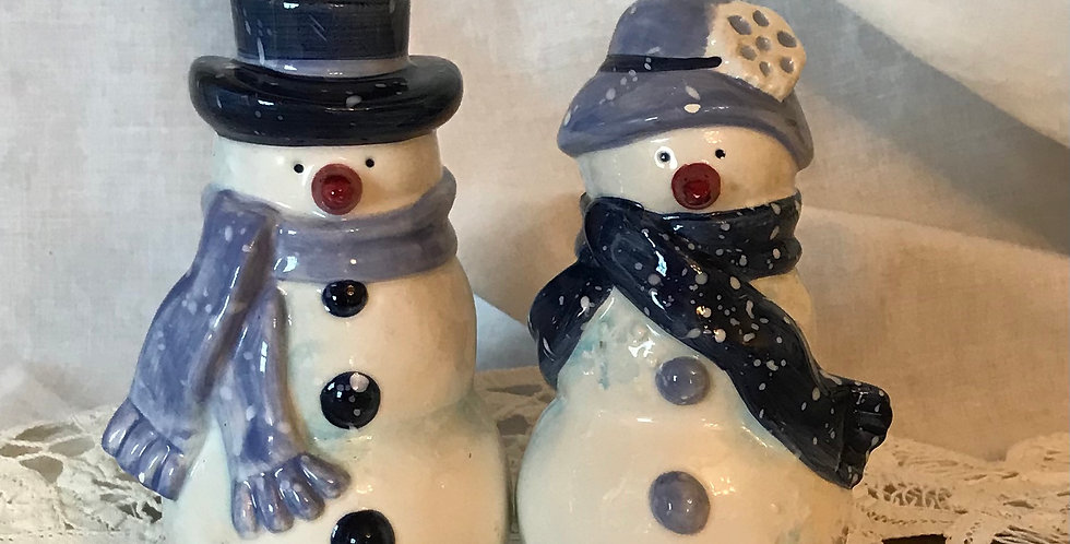 Mr. and Mrs. Snowcouple Salt and Pepper Set