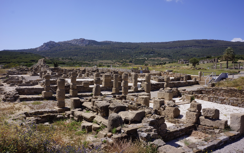 Bolonia Roman Ruins / Ruinas romanas