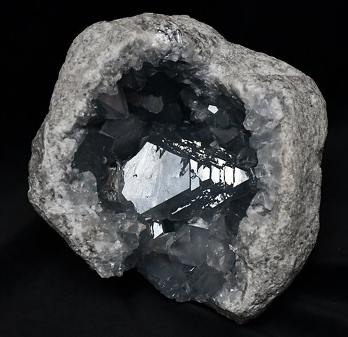 Celestite Geode (Madagascar)