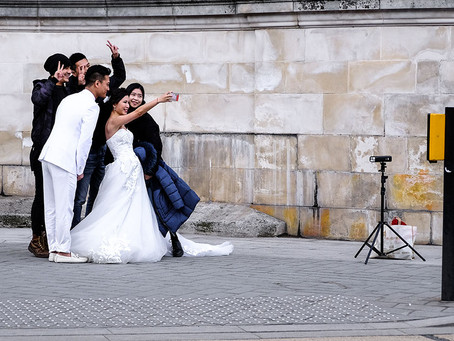 5 people you WILL meet at a wedding if you're the photographer