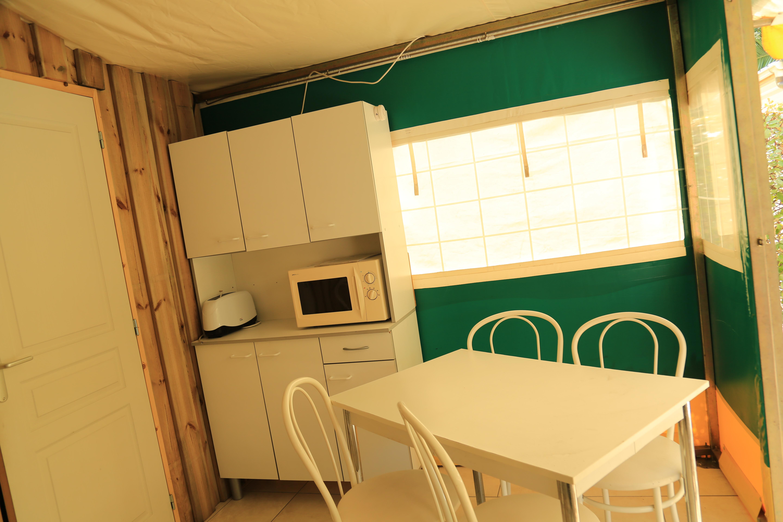 Tente aménagée à louer, Languedoc
