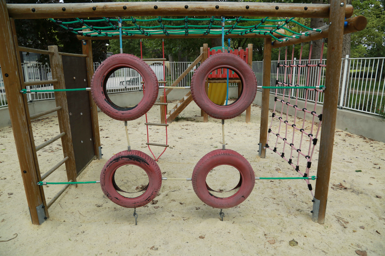 Jeux pour enfants, Le Garel.