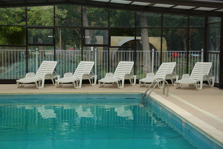 Intérieur de la piscine, Le Garel.