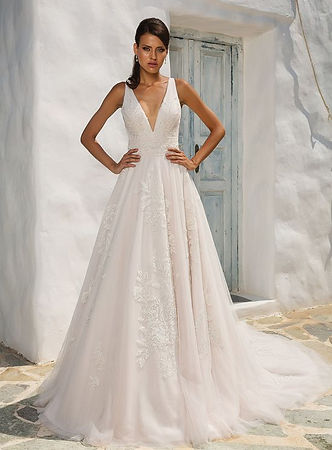 Justin Alexande A-line gown with lace applique