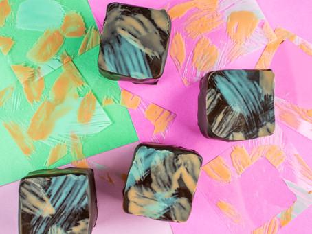 Trabalhe se divertindo: Saiba tudo sobre chocolate colorido!