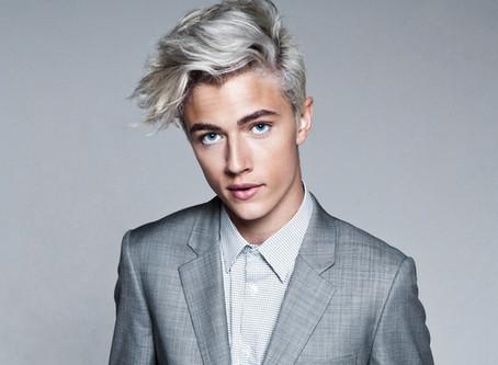 Le blond polaire : la nouvelle coloration de tous les hommes