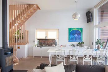 House Boat - Living Room