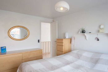 House Boat - Sample Room