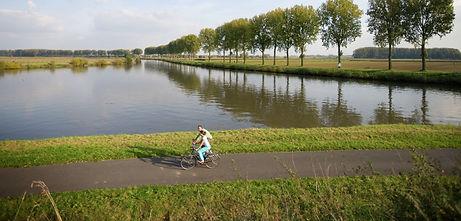 fietsen_kanaal_bossuit-kortrijk.jpg