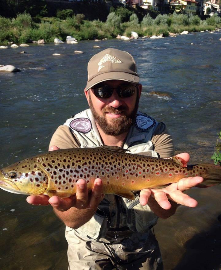 """Les plus beaux poissons pris à l'étranger par les mouches """"De l'étau à la rivière"""""""