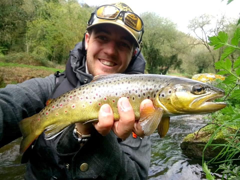 """Les plus beaux poissons pris en France par les mouches """"De l'étau à la rivière"""""""