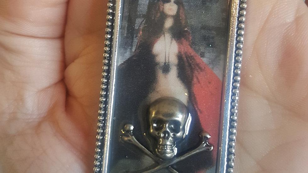 Jennifer Samedi Witchy pendant