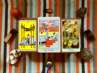 Tarot Perspectives: FOUR OF WANDS / FOUR OF KEYS / PERFECTION