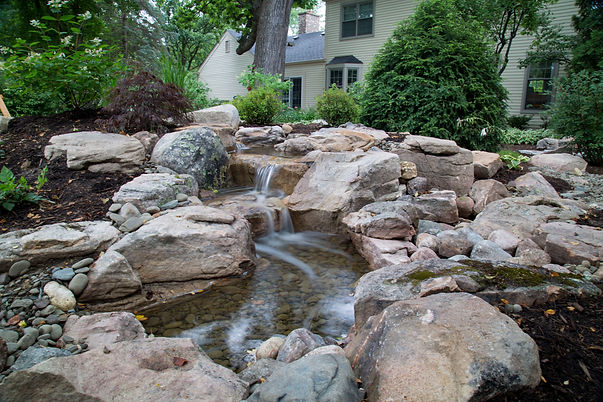 Medium 16ft Pondless Waterfall_02.jpg