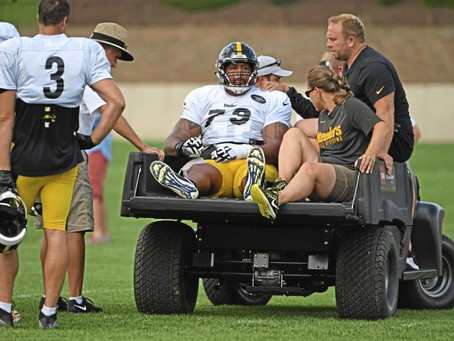 Steelers LG Ramon Foster Carted Off The Field On Friday