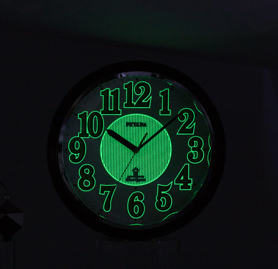 IMG_9400-0769 黑暗中夜光顯示-夜光亮度請調亮 參考0768夜光圖亮度.jpg