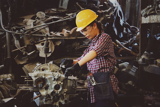 factory-factory-worker-girl-1108101.jpg