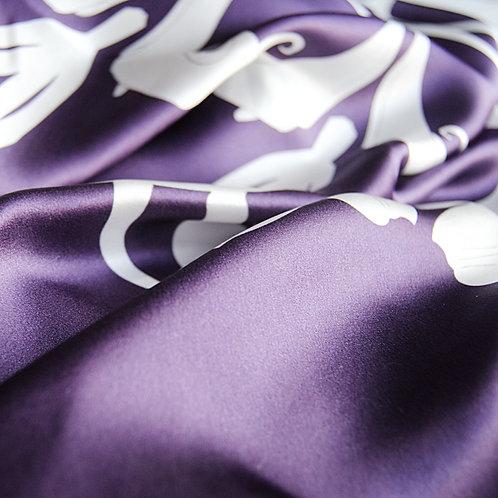 Heaven Scent Long Scarf in purple
