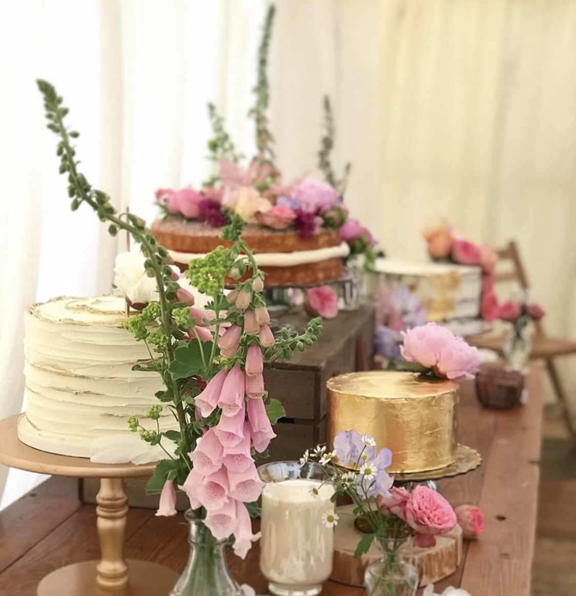 Wedding cake table of dreams