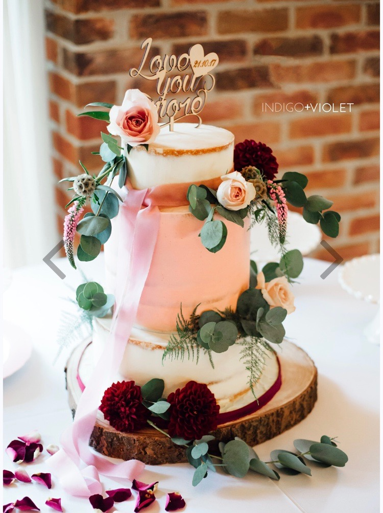 Pink & burgundy wedding cake
