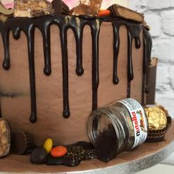 Chocolate & nut cake