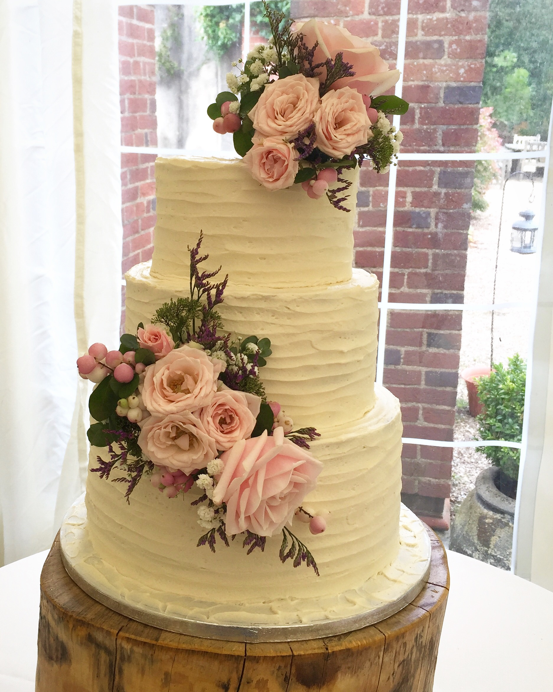 Butter-cream wedding cake