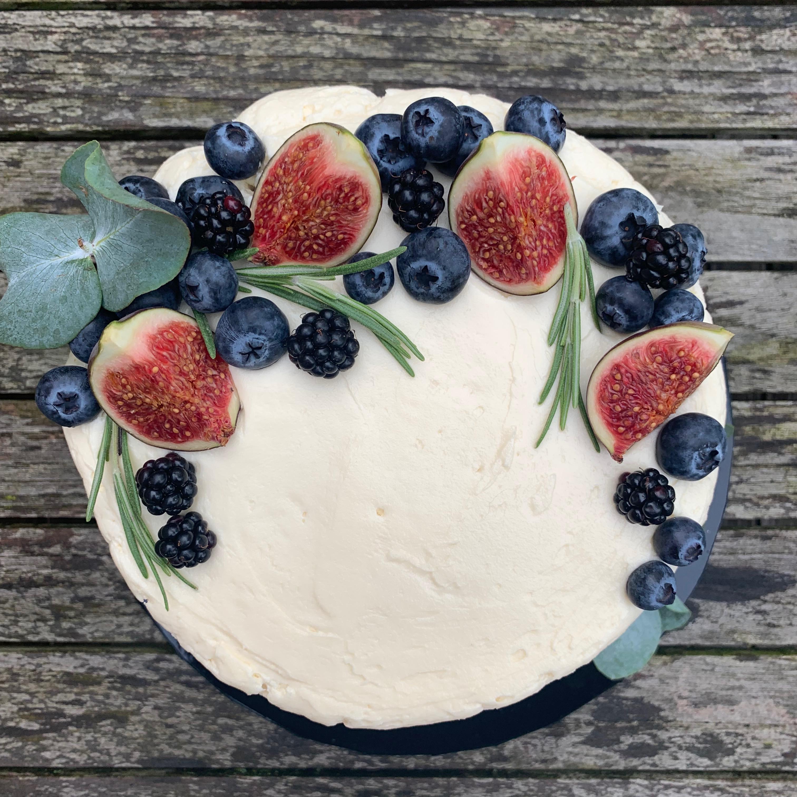 Autumnal crescent cake