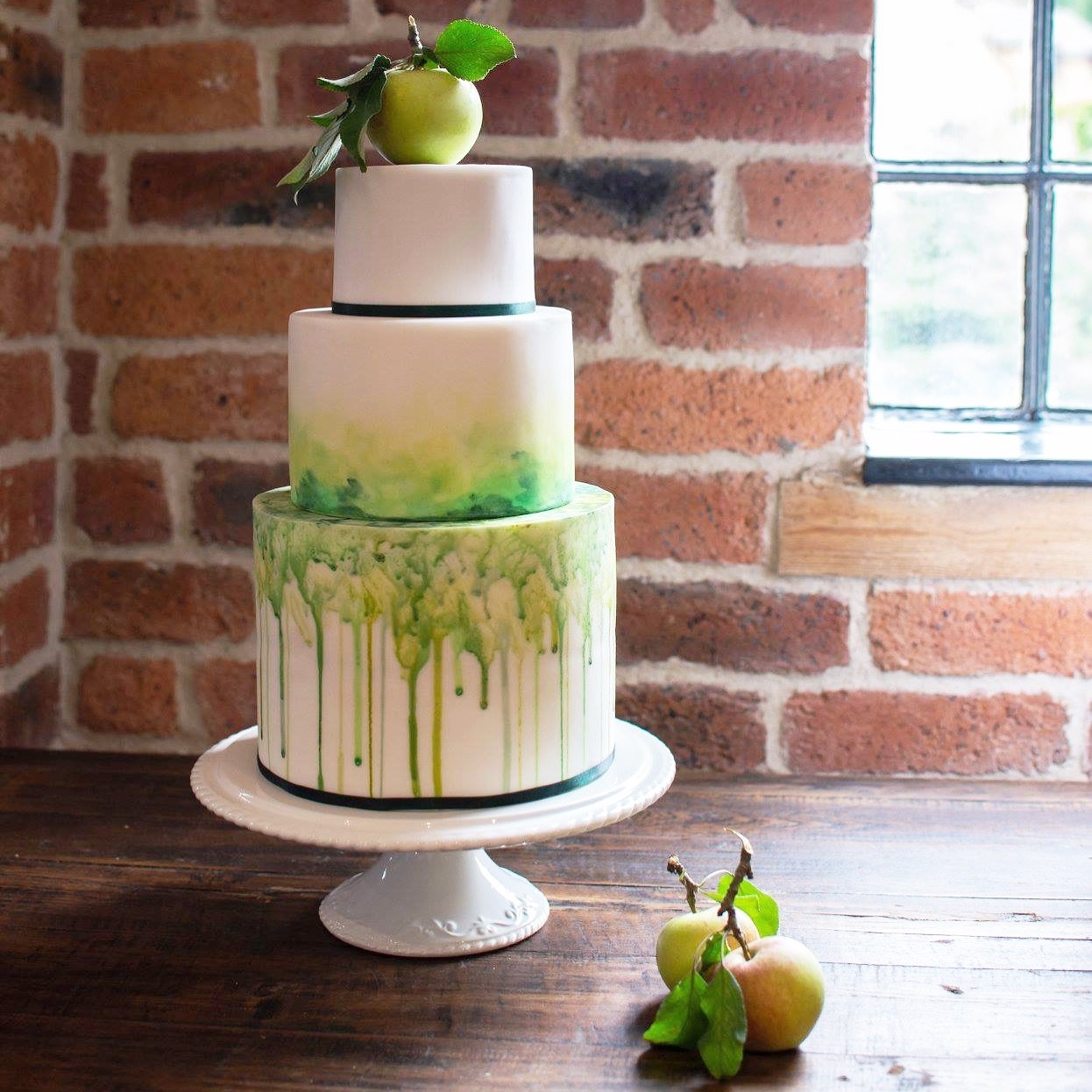 Spring green wedding cake
