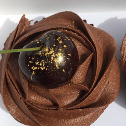 Chocolate & cherry cupcakes