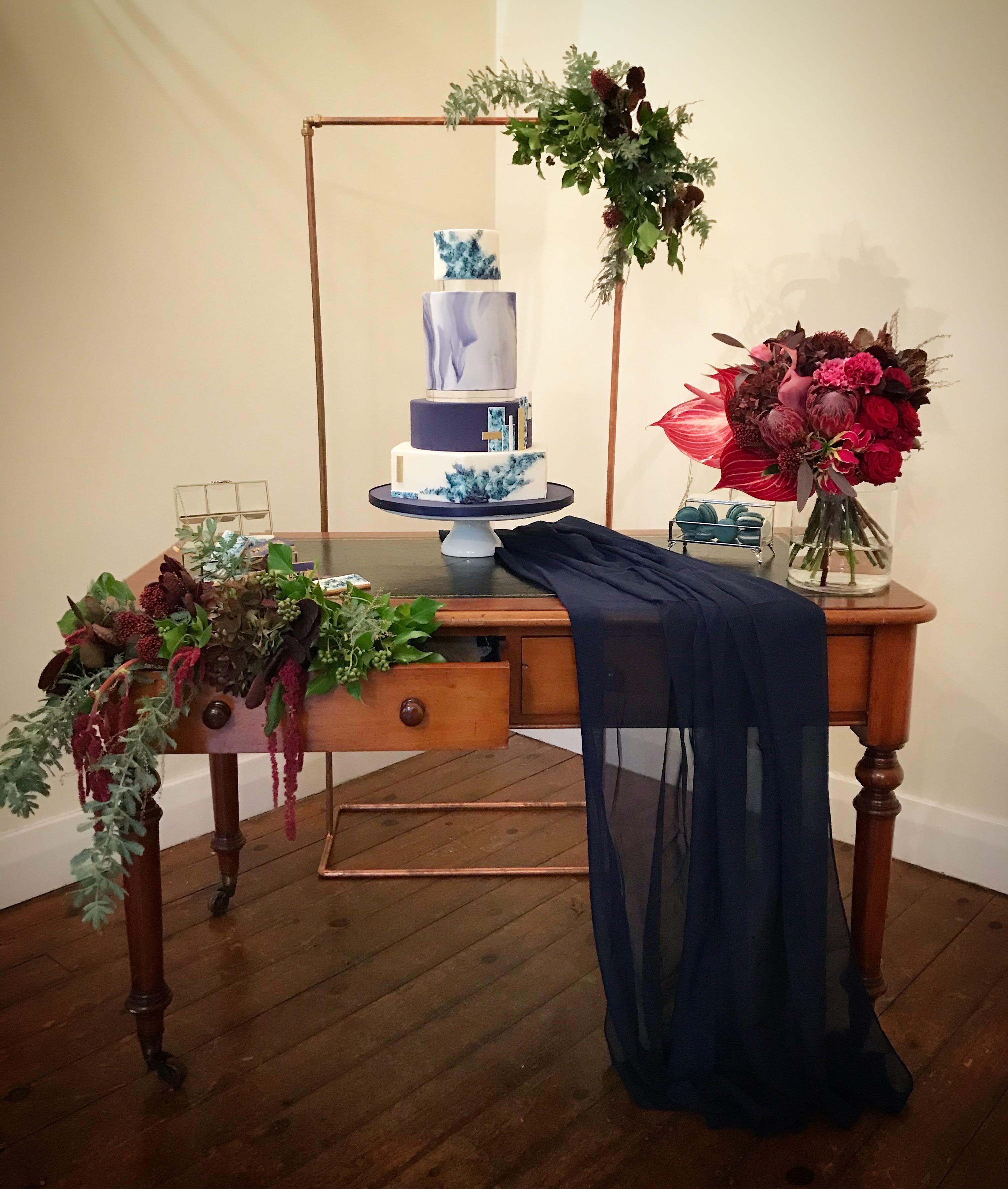 Modern navy & white wedding cake